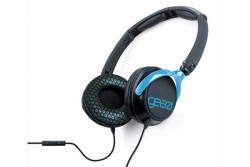 GEAR 4 On-ear stereo headphones with remote and mic for iPod / iPhone