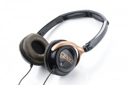 GEAR 4 ON-EAR HEADPHONES WITH ACTIVE NOISE CANCELLING