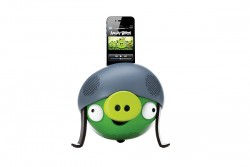 GEAR 4 ANGRY BIRDS - HELMET PIG SPEAKER DOCK FOR IPHONE & ITOUCH- 30 PIN